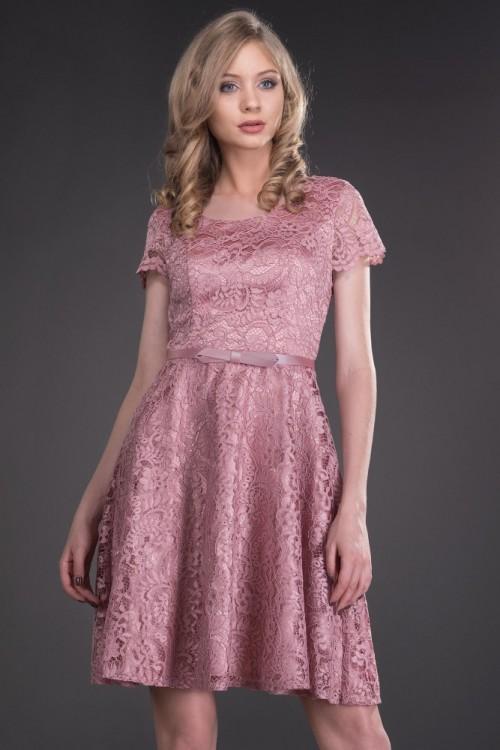 Rochie din dantela roz pal...