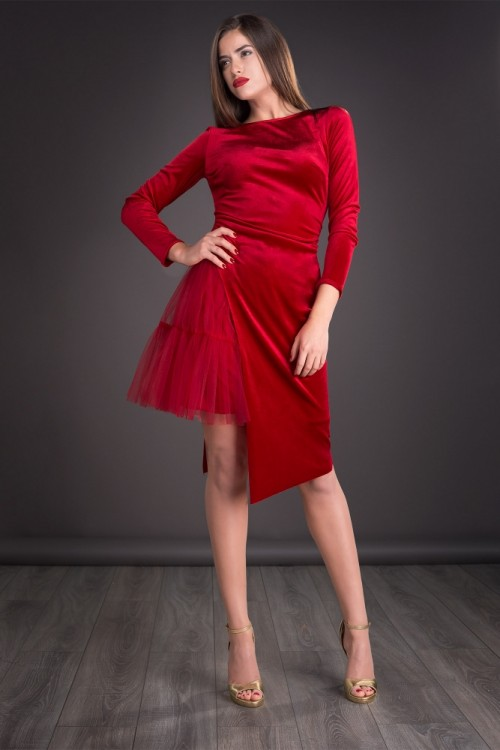 Rochie rosie din catifea si...