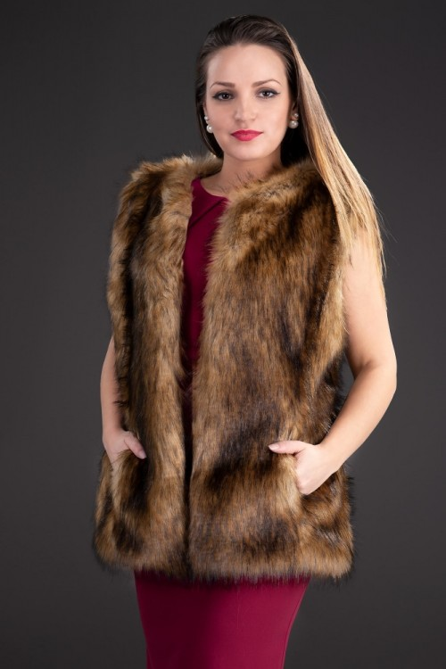 Vesta eleganta de dama din...