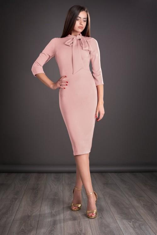 Rochie roz pudra cu funda...