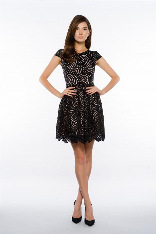 Rochie neagra eleganta scurta