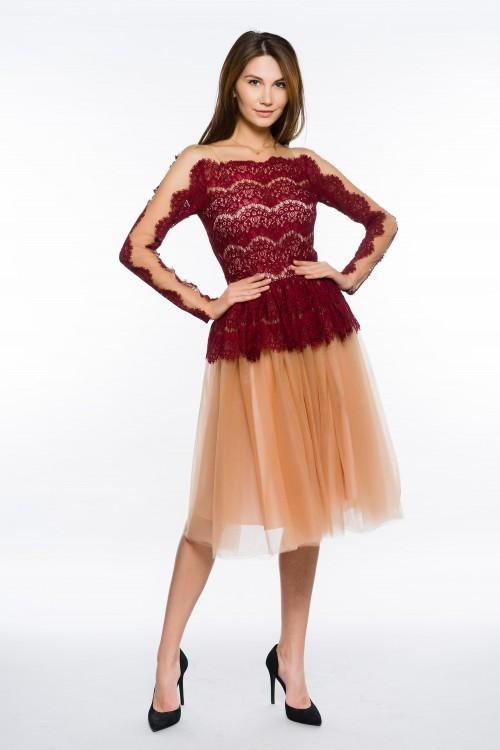 Rochie eleganta cu maneca...