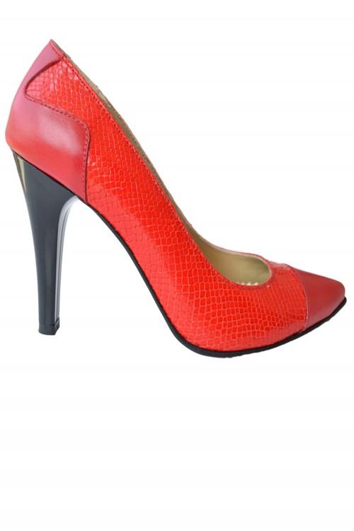 Pantofi dama cu toc stileto...